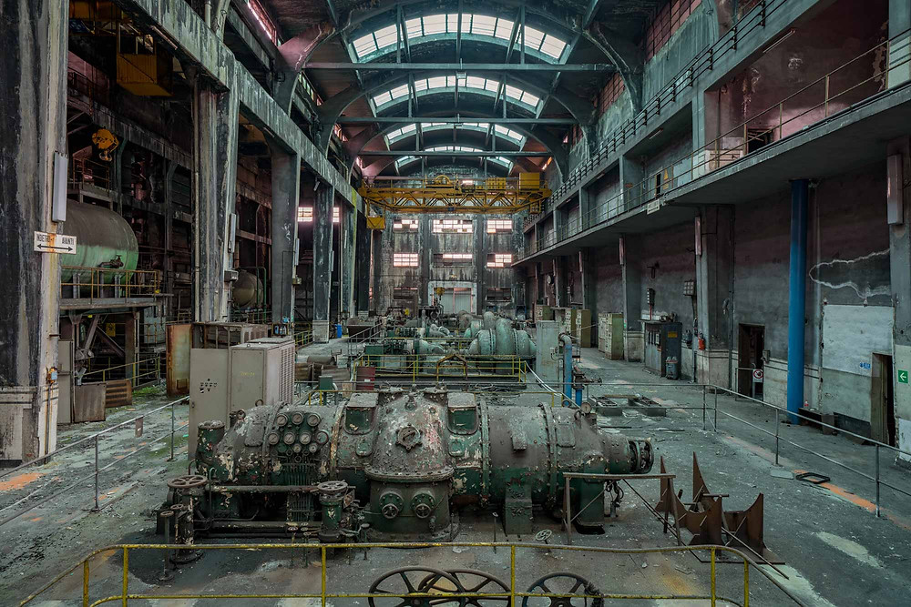 Abandoned turbine hall with natural decay