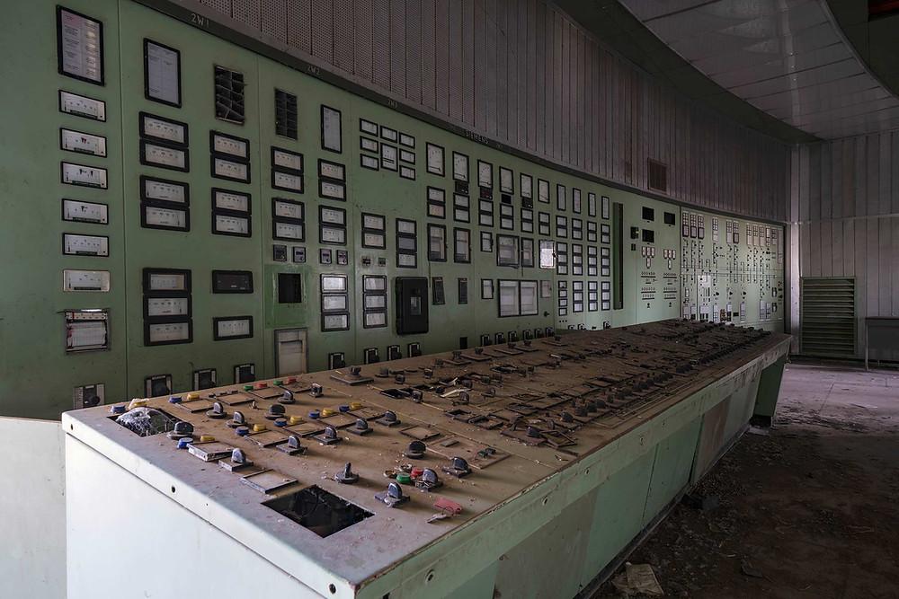 Kontrol panel på forladt kraftværk