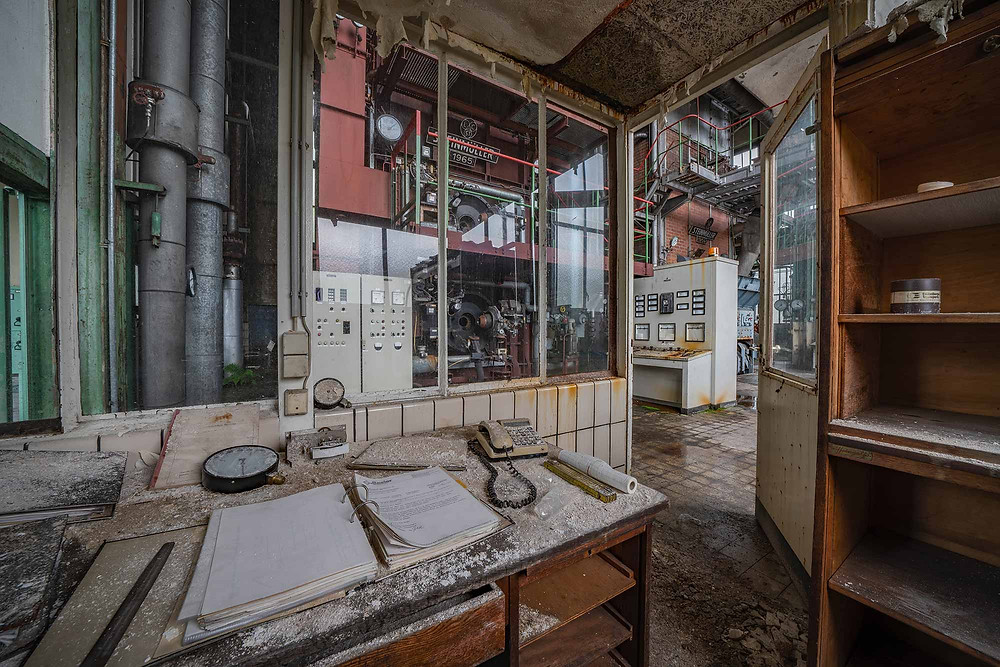 Værkfører kontor på forladt kraftværk