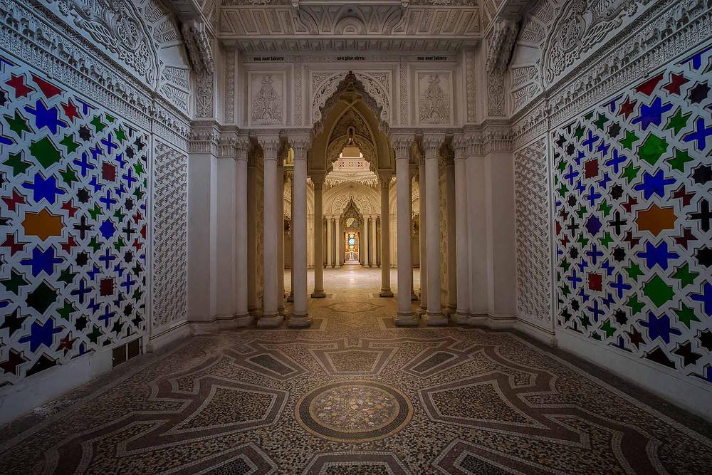 Smukke rum på forladt slot i Italien