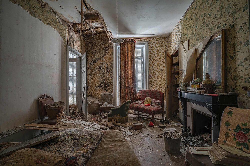 Hole in the ceiling of abandoned Chateau Dramophone