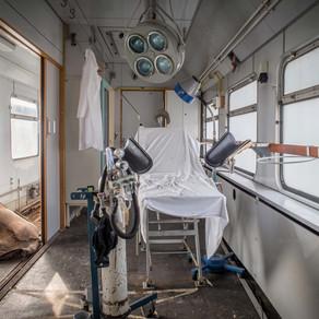 Katastrophenzug: Abandoned GDR hospital train