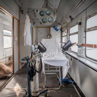 Katastrophenzug: Abandoned DDR hospital train