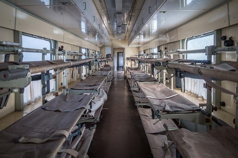 Sengeafdelingen i forladt hospitals tog i tidligere DDR