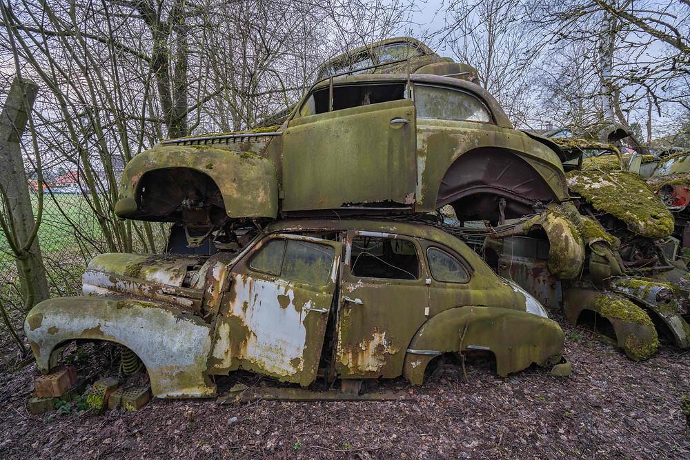 Fotokunst af forladte biler