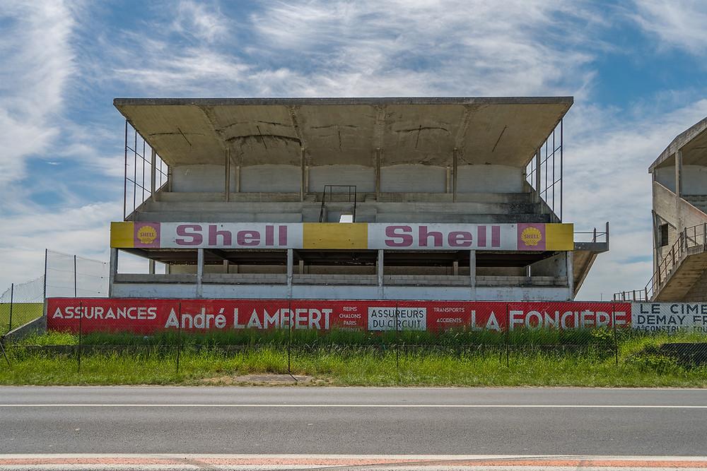 Forladt racerbane Circuit de Reims shell tribunen