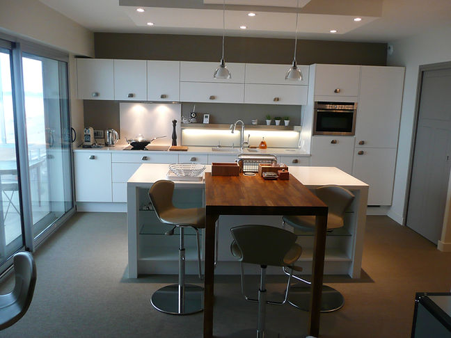 modele cuisine equipee amenagee dans un appartement de La Baule
