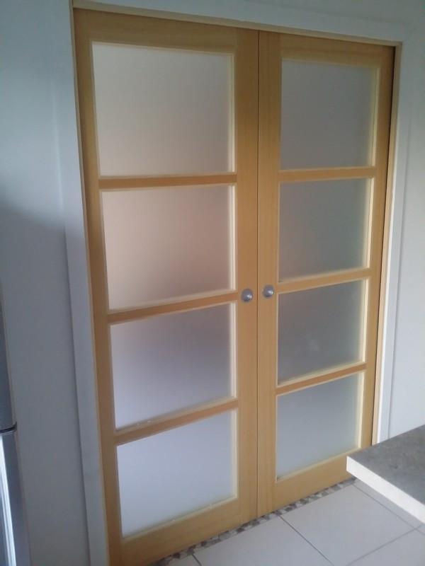 aménagement de cuisine fermée _ porte de séparation