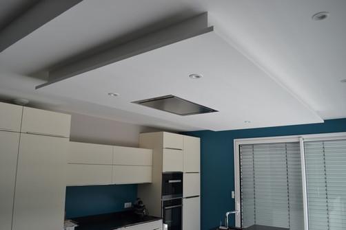 Hotte au plafond
