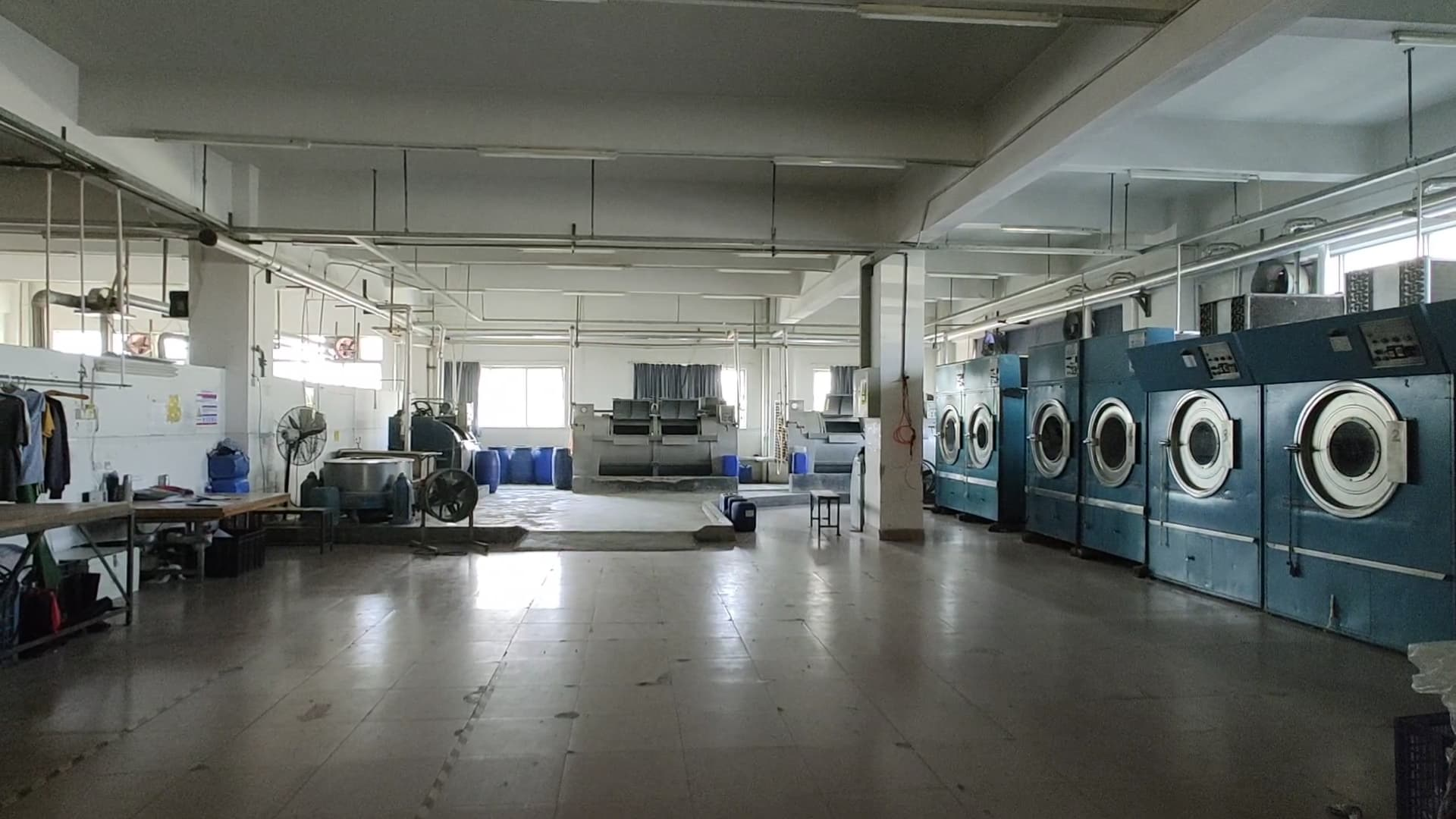 自社製品水洗い加工場