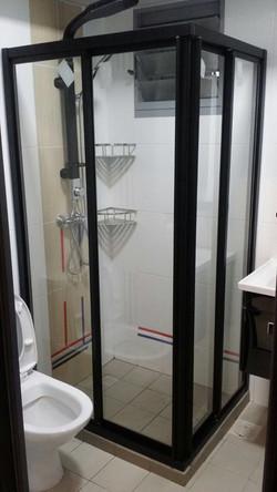L-Shaped Shower Screen