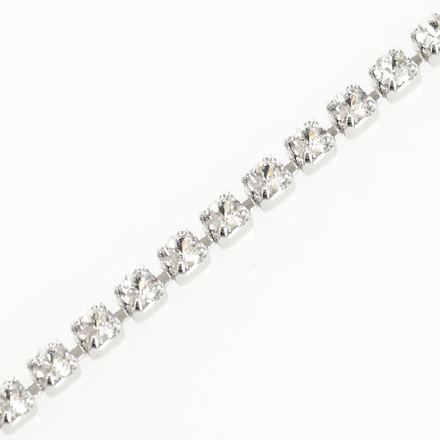 Silver cup clear crystal chain