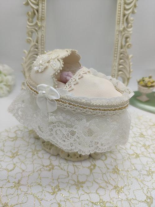 Cream baby cot
