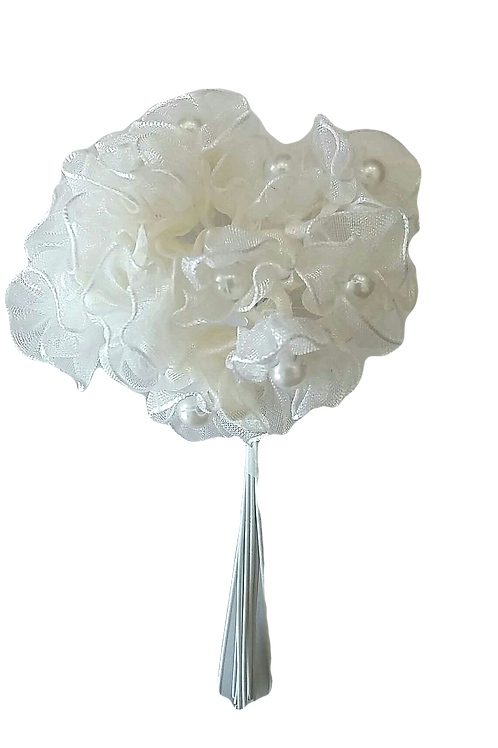 White bouquet with pearls