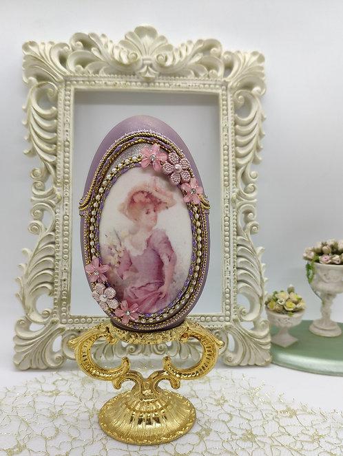 Lilac lady