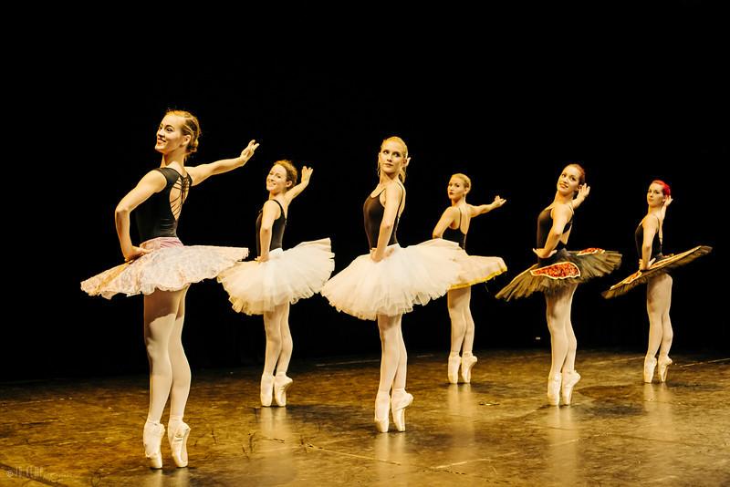 iab-dance-yr2-dec16-3016-L copy.jpg