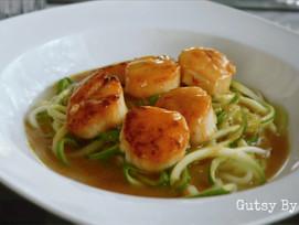 #Receta: Conchas con salsa de azafrán sobre pasta de zucchini