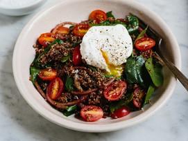 #Receta: Quinua roja con espinacas, tomate cherry y huevo escalfado