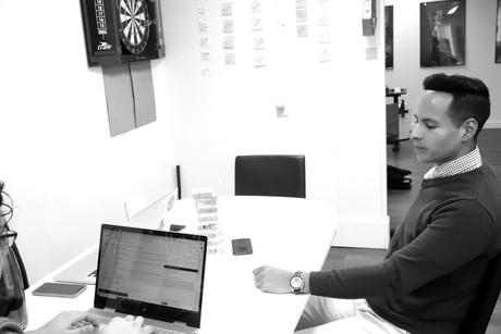 working-branding-vp-creative-agency_edit