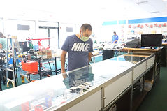 stratford-inside-store-east-coast-pawn-c