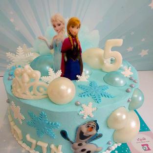 anna-and-elsa-cake.jpg