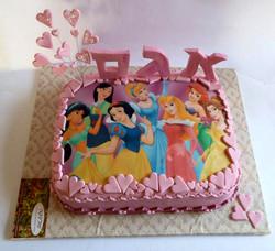 Disney-princesses-cake