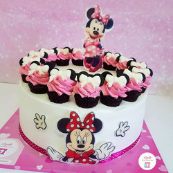 Minnie-Mouse-Cakes