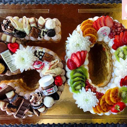 עוגת מספרים עם פירות העונה