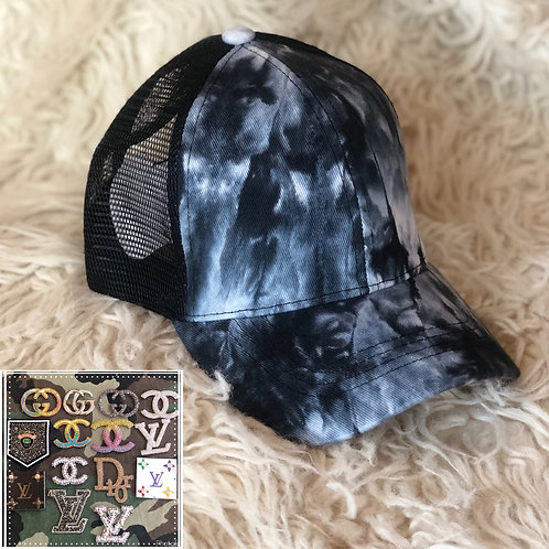Black and white tie-dye hat