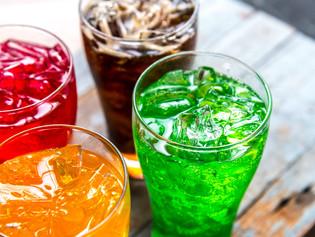 O efeito nada doce das bebidas cheias de açúcar!