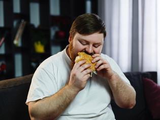 Como o alerta de obesidade pode nos levar a comer mais