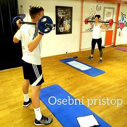 FITCITY Fitnes center Gym Ljubljana | Vadbe z osebnim pristopom!