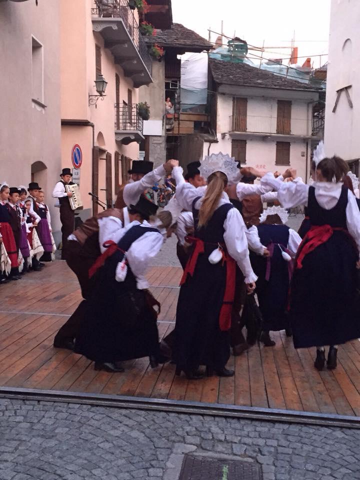 Les Sallereins in piazza 30 Luglio