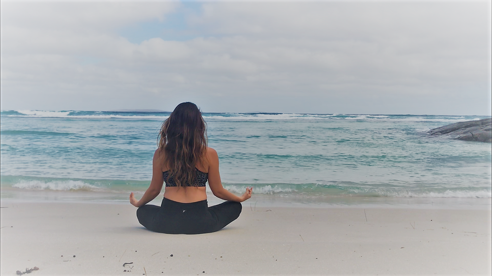 meditation, beach meditating, meditation benefits, meditation anxiety
