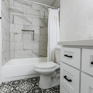 Modern Farmhouse Guest Bath