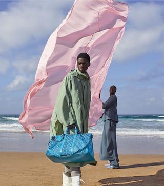 Louis Vuitton fashion - woman pink sheet