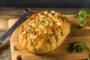 homemade-cheesy-pull-apart-garlic-bread-675BG7R.jpg