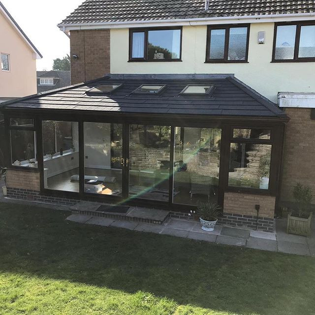 Conservatory with Guardian Warm Roof and