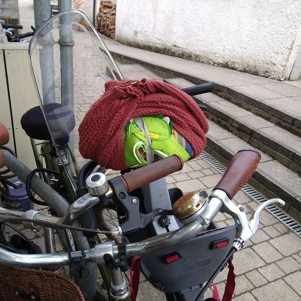 Keep warm on baby bike seat