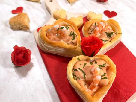 Cuori di sfoglia con gamberi in salsa rosa