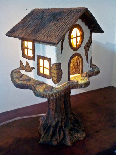 Casa_del_árbol_con_luz_opt