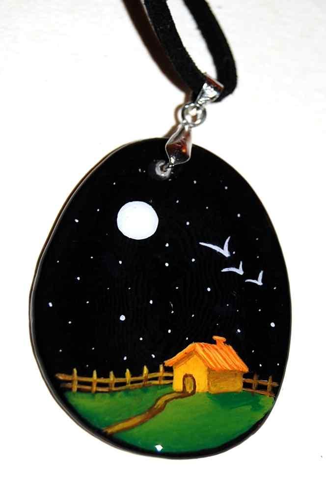 Centro noche de luna y gaviotas