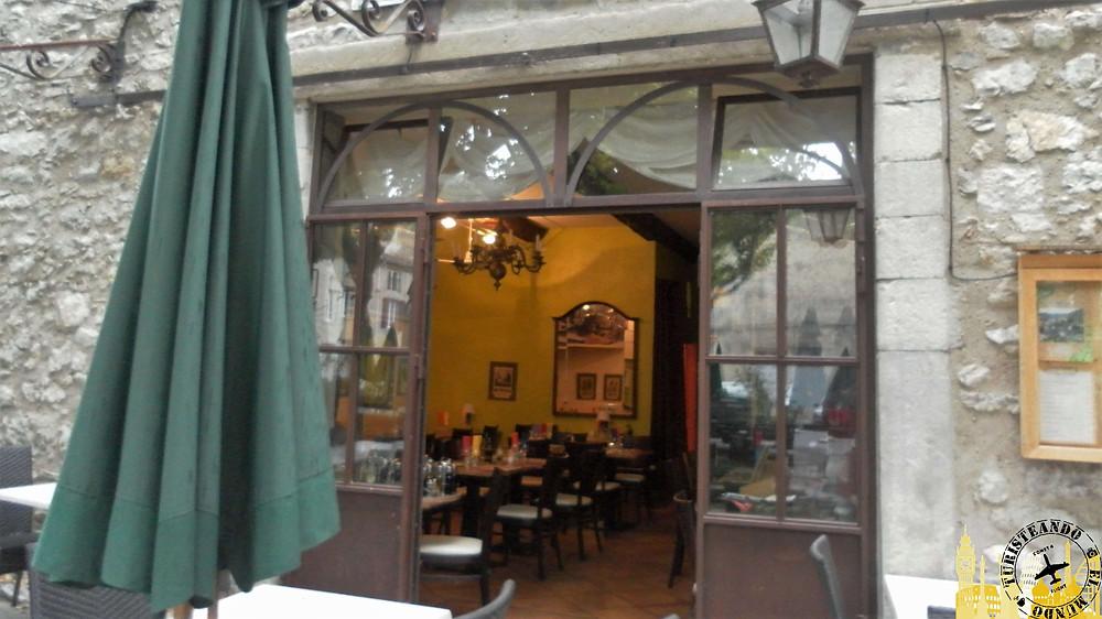 Bar en Lagrasse (Francia)