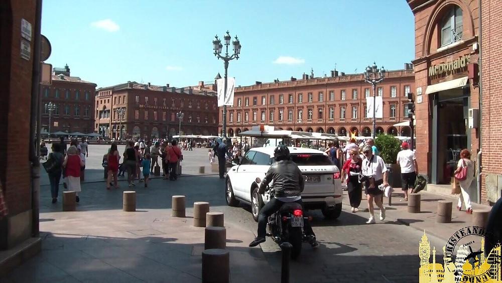 Plaza del Capitolio. Toulouse