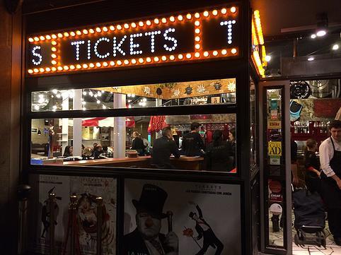 Barcelona. Truco para el AVE y restaurante Tickets. Cataluña (España)