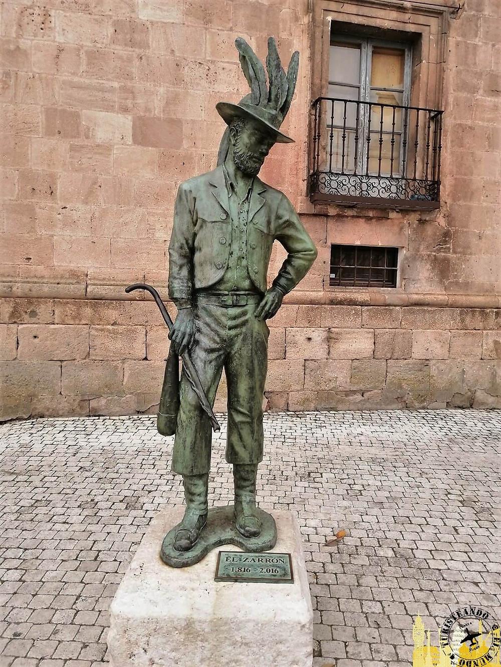Monumento al Zarrón en Almazán (Soria). Castilla-León