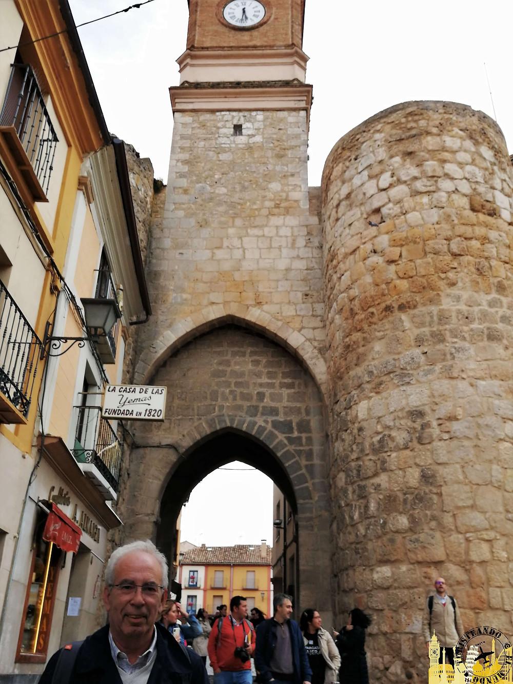 Puerta del Reloj en Almazán  (Soria). Castilla-León