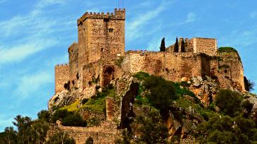 Castillo Alburquerque (España)