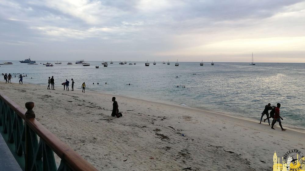 Playa y malecón de Stone Town