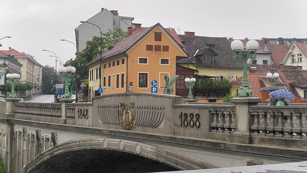 Liubliana (Eslovenia). Puente de los Dragones